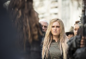 """The 100 -- """"Watch The Thrones"""" -- ImageHU304a_0278 -- Pictured: Eliza Taylor as Clarke -- Credit: Cate Cameron/The CW -- © 2016 The CW Network, LLC. All Rights Reserved"""