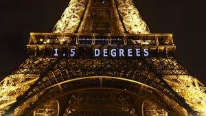 EiffelTower_projector_Francois Mori