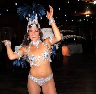 Hora Loco dancer