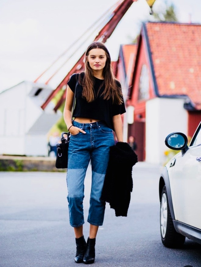 black tee with boyfriend jeans