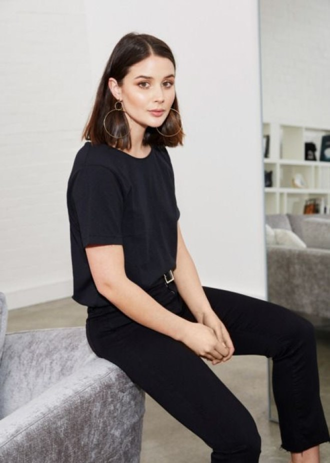 all black t-shirt outfit idea