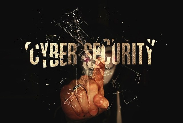 Hacker on Pixabay b