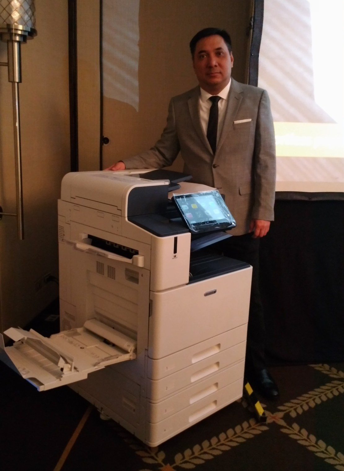 Oscar Dolendo head of Marketing Department Fuji Xerox - Science and Digital News