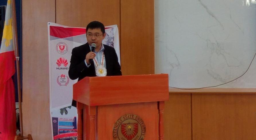 11 aa Huawei BatStatU Alan Li Gudong