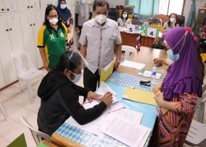 BARMM para-teachers receive salary.