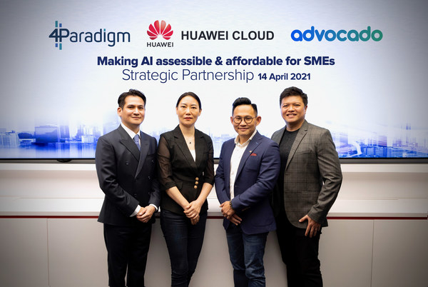 Pictured from left to right (Mark Chen, Head of Asia Pacific, 4Paradigm; Nicole Lu, General Manager, HUAWEI Asia Pacific Partner Ecosystem, Cloud and AI; Joval Gan, CRO and cofounder of Advocado; and Eric Chia, CEO and cofounder of Advocado)
