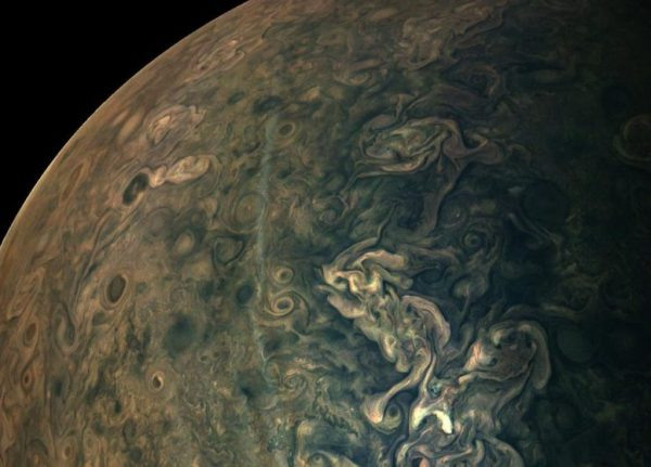 NASA's Juno Spacecraft Captured This Jaw-Dropping New ...