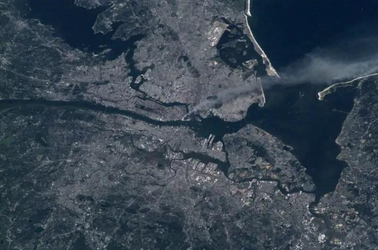 Manhattan Smoke Plumes 9/11
