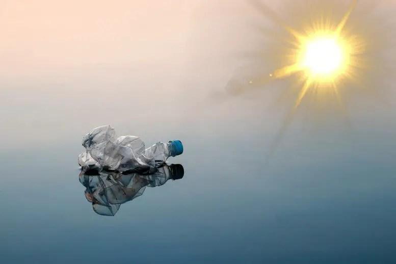 Plastic Degrades in Sunlight