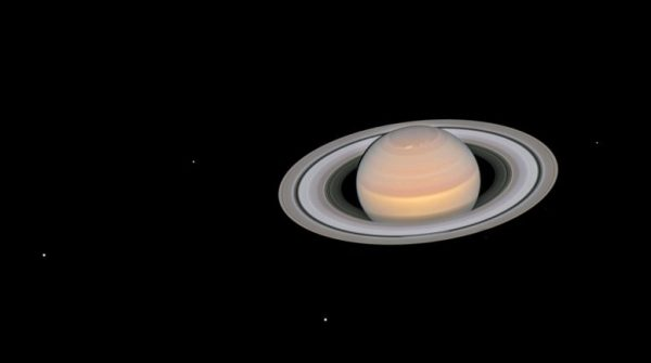 Outstanding Hubble Image Shows Fully-Illuminated Saturn ...
