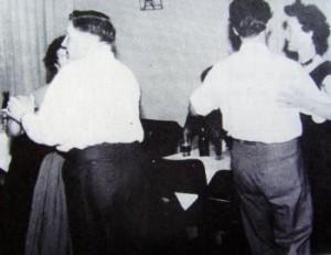 Fra en klubfest i 50'erne. T.v. formanden Jørgen Rudolf Hansen i fuld vigør