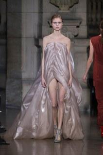 20-yiqing-yin-couture-spring-2016