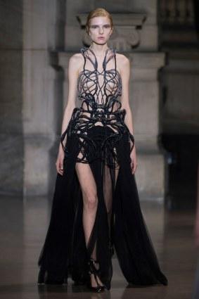 24-yiqing-yin-couture-spring-2016