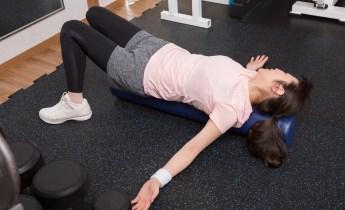 整体師が教える、ストレッチポールの使い方|首や肩のこりがスッキリ