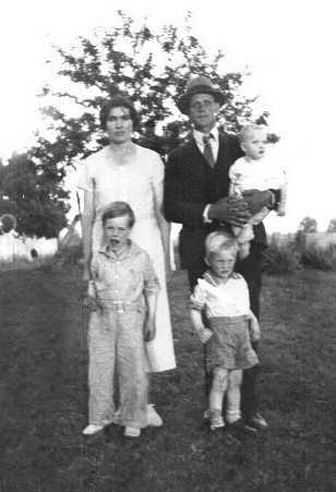 Back row (left to right): Louise (Rose's mother), Victor (Rose's father), and Rose in her father's arms. Front Row: Tony and Jerry (Rose's older brothers)