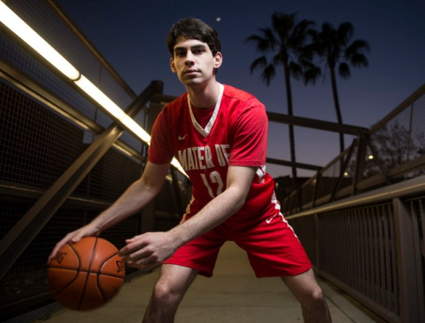 Mater Dei's Spencer Freedman is selected to the Register's boys basketball team. (Photo by Kyusung Gong/Orange County Register/SCNG)