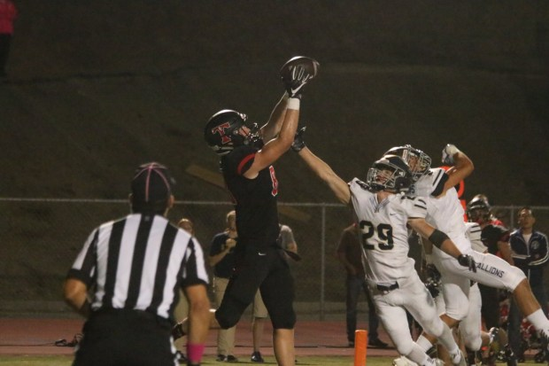 San Clemente tight end Chris Kane leaps up to secure a touchdown pass against San Juan Hills during the 2016 season. (Courtesy of San Clemente athletics)