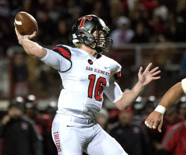 San Clemente's Jack Sears throws a pass for a touchdown during the CIF-SS Division 2 Championship game at Murrieta Valley on Friday, December 2, 2016. (Photo by Kyusung Gong/Orange County Register)
