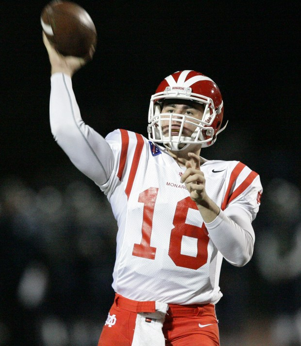 Mater Dei's quarterback JT Daniels (18) looks for the open man against Vista Murrieta High School during the CIF-SS Division 1 football quarterfinal playoff game at Vista Murrieta High School in Murrieta Friday, Nov. 18, 2016. FRANK BELLINO, THE PRESS-ENTERPRISE/SCNG