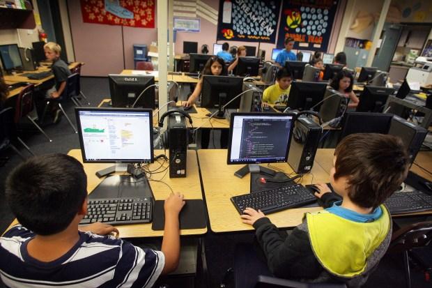 Digital arts class at North Ridge Elementary School on Monday, June 2, 2014. ORG XMIT: RIV1406021404050461