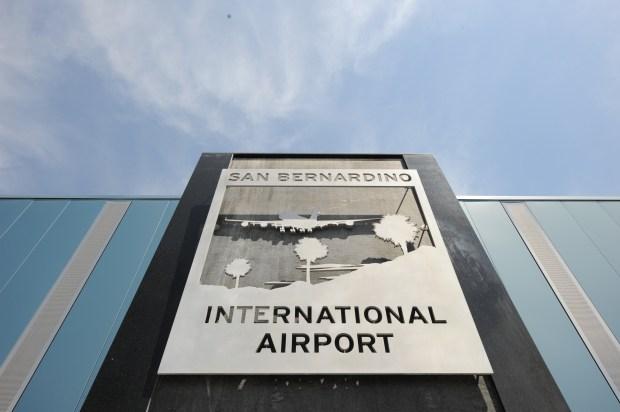 (8-28-09)--METRO--SANBERNARDINO--The arrivals area of the San Bernardino International Airport's passenger terminal. Friday August 28, 2009. Rick Sforza/Staff Photographer