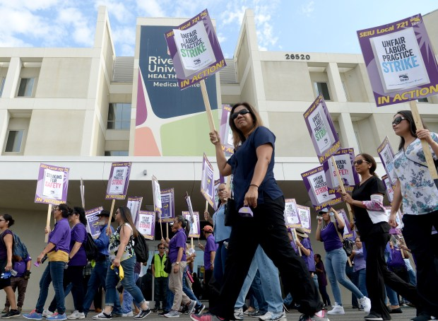 A large crowd of SEIU Local 721 (Service Employees International Union) members, strike outside of the Riverside University Health System Medical Center in Moreno Valley, Ca., Wednesday, September 6, 2017. SEIU was joined by former Los Angeles Mayor Antonio Villaraigosa on the picket line. (Photo by John Valenzuela/Press Enterprise/SCNG)