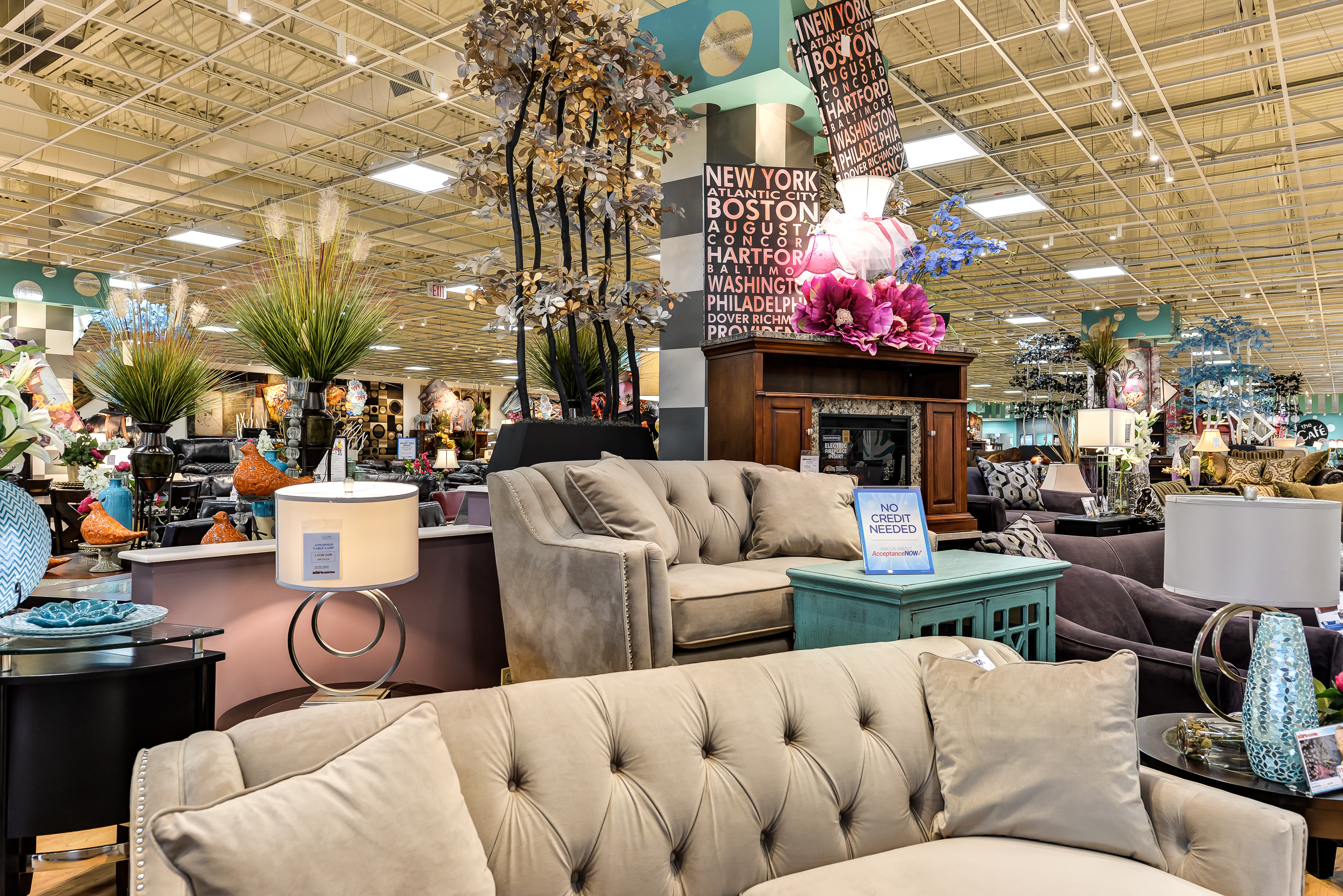 Merveilleux Bobu0027s Discount Furniture, A Retailer With Shops Across The East Coast And  Midwest, Is