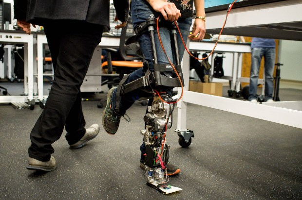 Graduate student Rachel Gehlhar shows how the Ampro 3 prosthetic works at the Advanced Mobility Lab in Caltech's Center for Autonomous Systems Technologies (CAST) during a tour of the new facility on Monday, Oct. 23, 2017. (Photo by Sarah Reingewirtz, Pasadena Star-News/SCNG) .