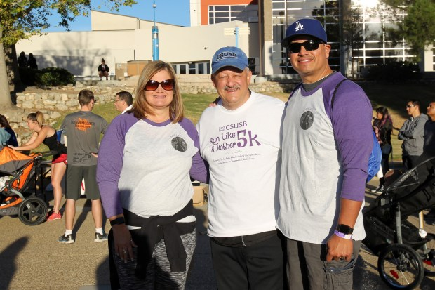 17-10-21-CSUSB-- (L to R) Mary Rivera, Tomás D. Morales, President, California State University, San Bernardino and Albert Rivera -- Run Like a Mother 5k and Memorial Run for Jordyn Rivera at California State University, San Bernardino on Saturday, October 21, 2017. Photo by Ayah Khairallah