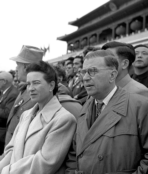 512px-Simone_de_Beauvoir_&_Jean-Paul_Sartre_in_Beijing_1955