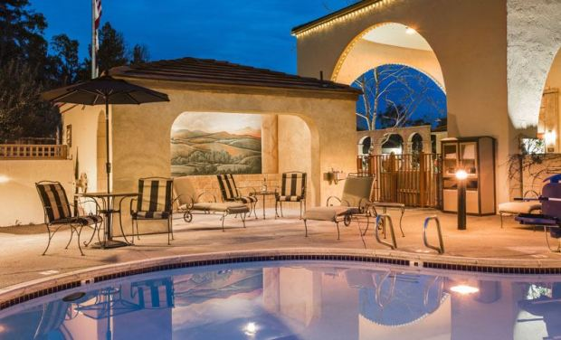 best-western-dry-creek-inn-casa-siena-pool