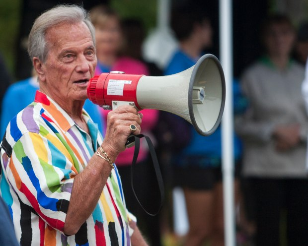Pat Boone announces the start of the 15th Annual Dove Dash in Dove Canyon in 2015. The Coto de Caza resident will perform in Laguna Woods on Valentine's Day. (Foster Snell, file photo)