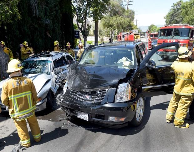 Man dead following Woodland Hills collision – Daily News