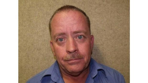 Dennis Brian Chambers fue arrestado el 19 de abril de 2017 bajo sospecha de distribuir pornografía infantil. Fue sentenciado a un año de cárcel el miércoles 18 de abril de 2018. (Foto cortesía del Departamento de Policía de Fontana)