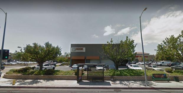 Hook Burger in Woodland Hills