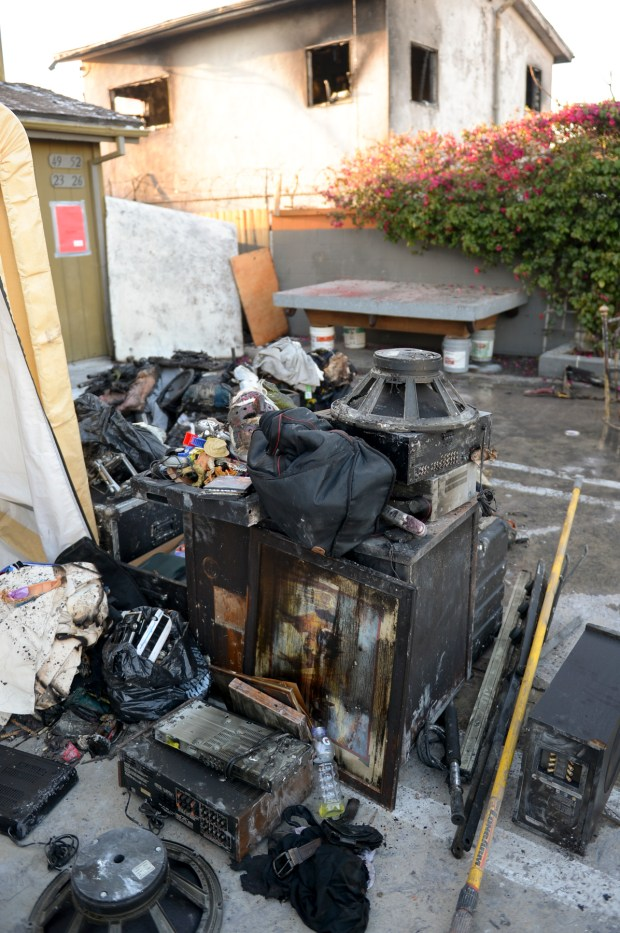 Investigators are on the scene of a fire that broke out early Wednesday, April 11, 2018, on the 7400 Boulevard in North Hollywood, leaving several residents without homes. (Photo by David Crane, Los Angeles Daily News/SCNG)