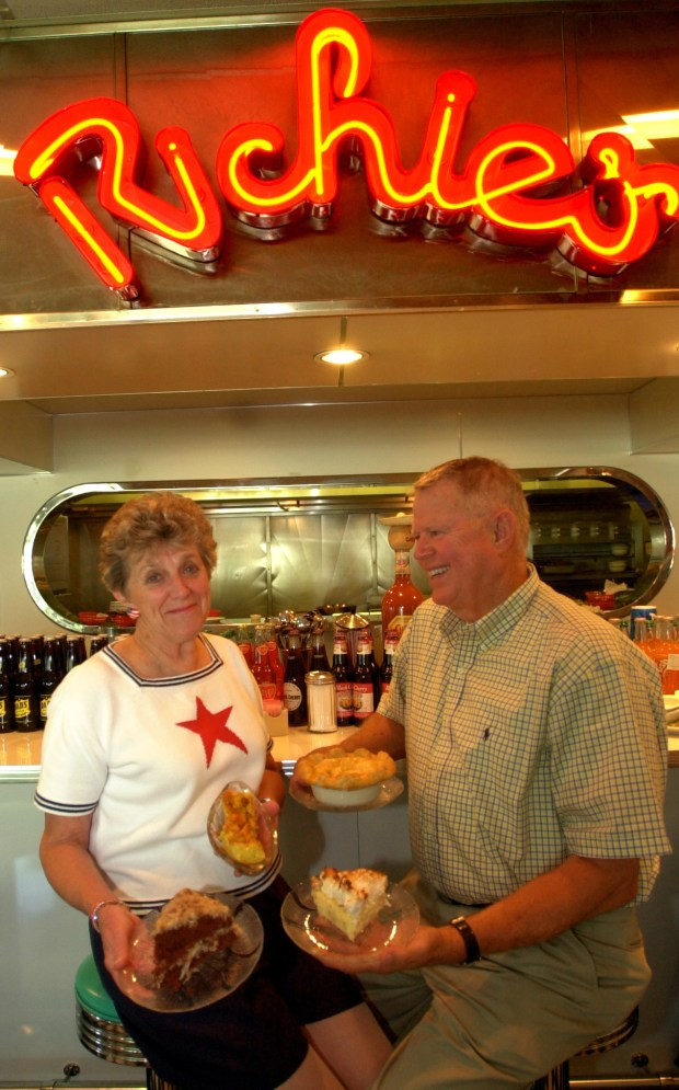 Linda and Jack Williams, seen in Richie's in Temecula in 2002. File photo by Thomas Kelsey, The Press-Enterprise/SCNG