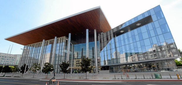 The $490-million Gov. George Deukmejian Courthouse in downtown Long Beach. Photo: Stephen Carr/ Los Angeles Newspaper Group