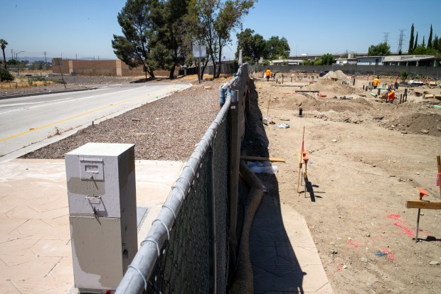 Construction has begun on a 95 unit senior veterans apartment complex at 9041 N. Laurel Canyon in Sun Valley because of its location right next to a freeway ramp. The units will have to have special air-scrubbers and windows will not be allowed to be opened because of poor air quality at the location. (It is located next to a freeway ramp, at left) (Photo by David Crane, Daily News/SCNG)