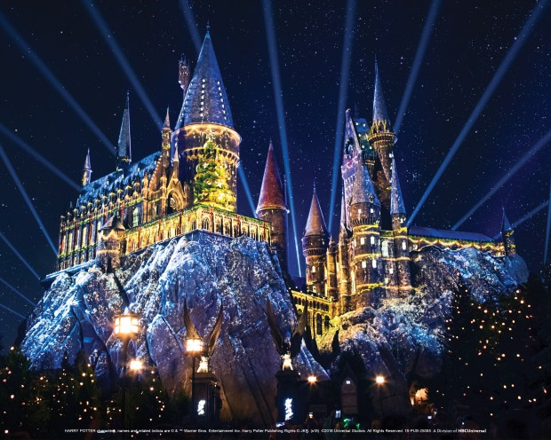 Universal Studios Hollywood Announces The Dates For Christmas In The