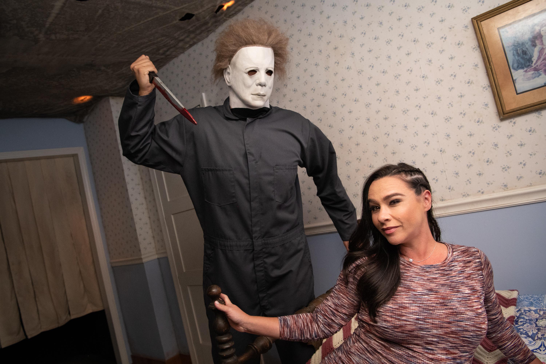 Halloween 2020 Danielle Harris Reddit Halloween Horror Nights: Stars from 'The Walking Dead,' 'Stranger