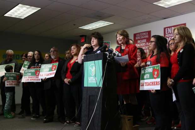 With no movement over the weekend, L.A. teachers proceeding with Monday strike plan