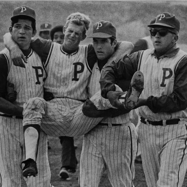 Granada Hills baseball honors coach's grandfather by reenacting 50-year old photo