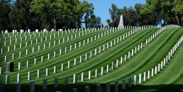 What services are closed for Memorial Day, May 25, in the San Fernando Valley
