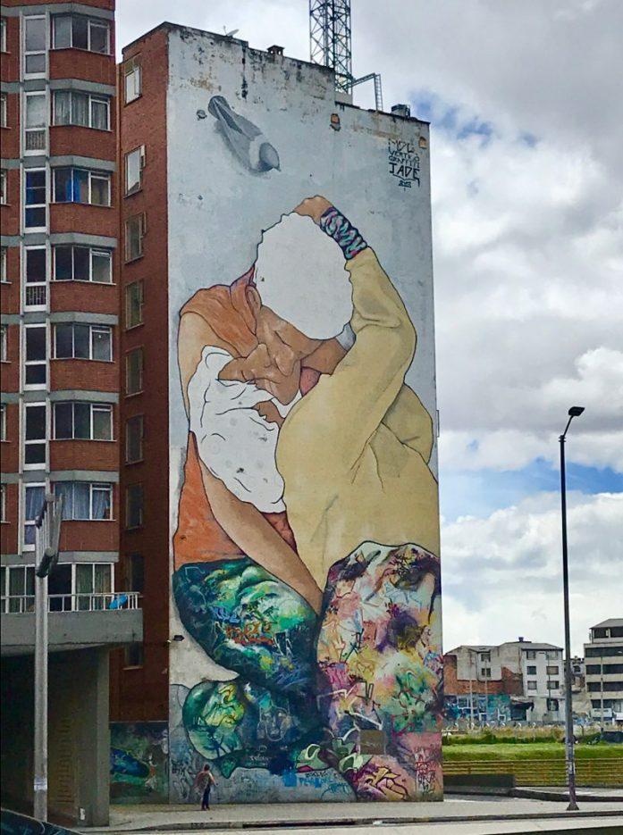 carrera 26 bogotà colombia street art graffiti tour