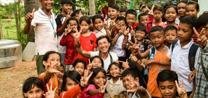 Maya Cenicola con la scuola di Siem Reap in Cambogia