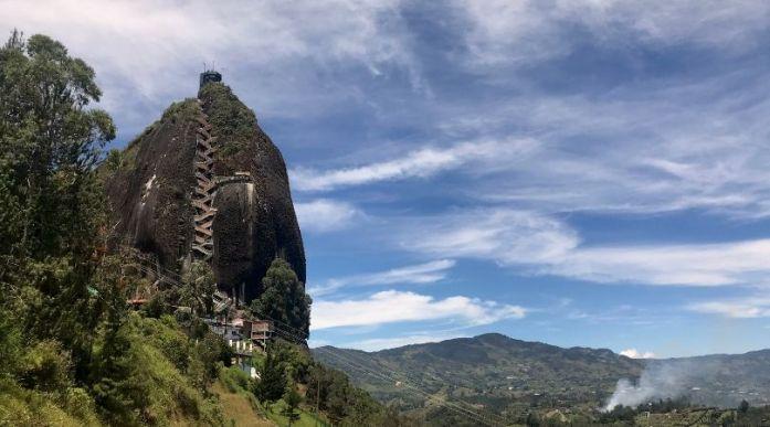 Piedra del Peñol a Guatapè viaggio in Colombia vicino a Medellin