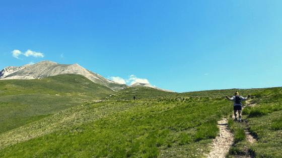 Monte Vettore cima più alta monti sibillini vicino rifugio mezzi litri associazione monte vector