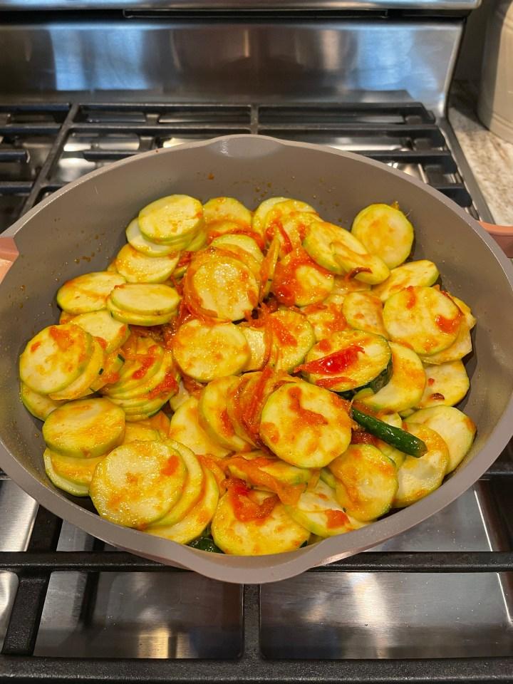 turai ki sabzi before is cooks down