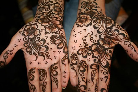 Superb Pakistani Eid Ul Adha Mehndi Designs 2014 2015 for Hot Girls (1)